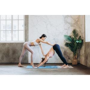 研究發現做瑜珈時用精油表現會更好!練瑜珈適合使用哪些精油?